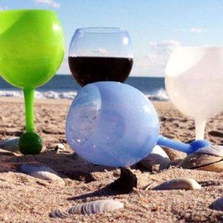 Floating Beach Pool Wine Glass